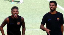 Suarez Buka Suara Sebut Neymar Tidak Boleh Tinggalkan Barcelona
