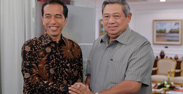 Potong Tumpeng di Ulang Tahun ke-68, SBY Doakan Presiden Jokowi Sukses Jalanakan Pemerintahan di Indonesia