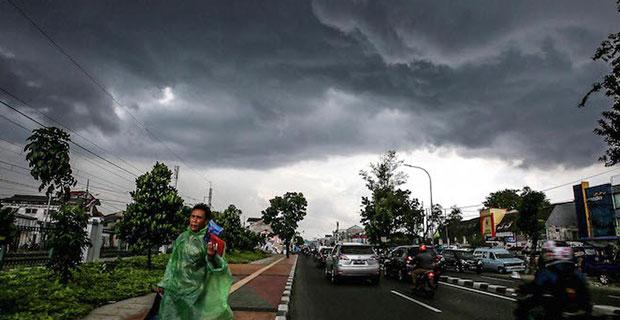 BMKG Himbau Masyarakat Siaga, Pulau Jawa Akan Dilanda Cuaca Ekstrim 3 Hari ke Depan