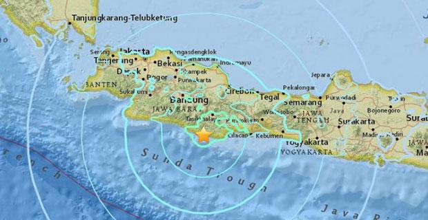Gempa Berpotensi Tsunami Dengan Kekuatan 7,3 SR Guncang Pulau Jawa