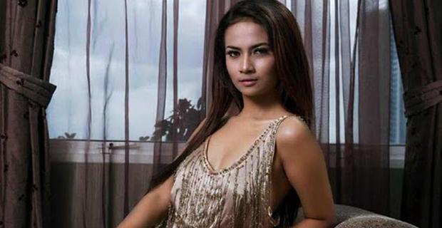 Putus Dari Didi Mahardika, Vanessa Angel Jatuh Kepelukan Seorang Polisi