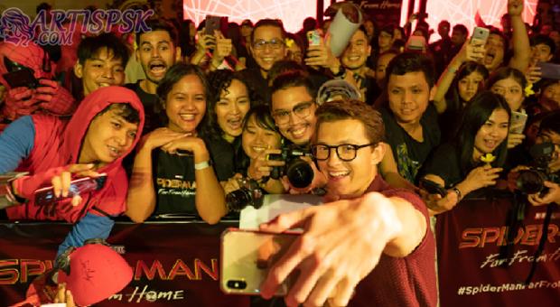 Tom Holland ke Bali