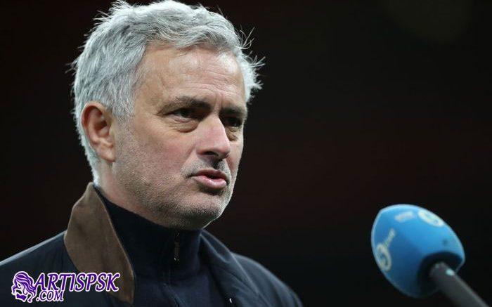 Spurs Kalah dari Arsenal, Mourinho: Mungkin Wasit Lelah